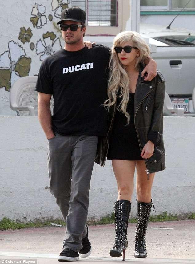 Lady GaGa y Taylor Kinney juntos
